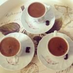 kawa z kubka czy z filiżanki